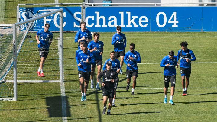 FC Schalke 04 beim Training: Die Gelsenkirchener kamen durch die Corona-Krise in finanzielle Schieflage.