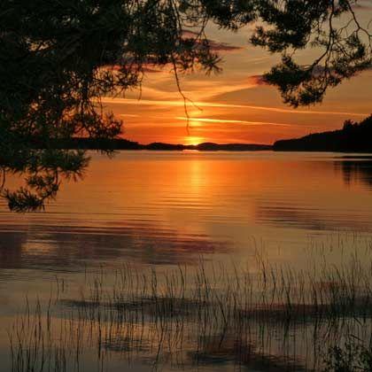Farbrausch: Die Sonnenuntergänge im finnischen Sommer sind meist faszinierende Naturspektakel