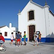 """Veträumt: Fast am nördlichen Ende des Naturparks """"Südwest-Alentejo und Vicentinische Küste"""" lockt die Ortschaft Porto Covo - beliebt ist sie auch als Ausflugsziel für portugiesische Familien"""