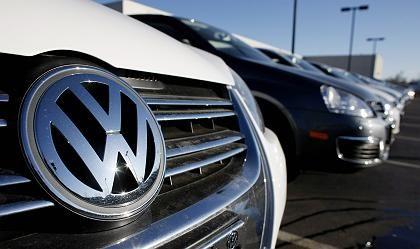Absatzhilfe: Die Volkswagen-Bank erhält Garantiezusagen vom Staat und verschafft sich damit Vorteile bei der Refinanzierung und damit letztlich auch beim Autoabsatz.