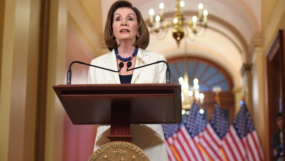 Nancy Pelosi: Die Demokraten legen in Kürze die Anklagepunkte gegen Trump vor