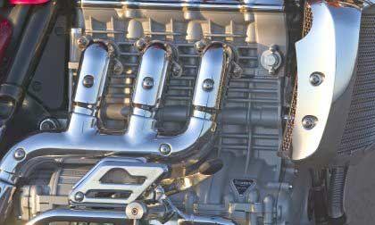 Hubraumtriumph: 2,3 Liter Hubraum, imposante 200 Nm Drehmoment bei gerade 2 500 U/min und 103 kW/140 PS Leistung