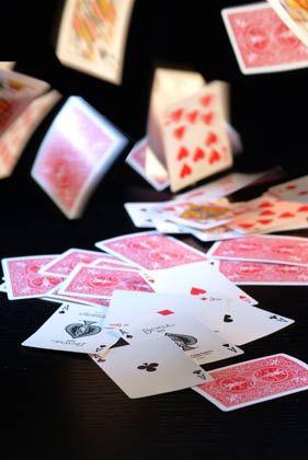 Alle Karten auf den Tisch: Noch nie war Geheimniskrämerei für die Banken so riskant wie heute
