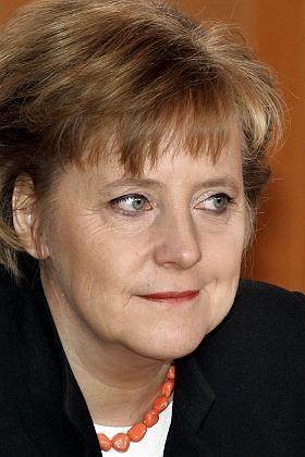 Angela Merkel: In Deutschland sparen, für Brüssel Geld ausgeben