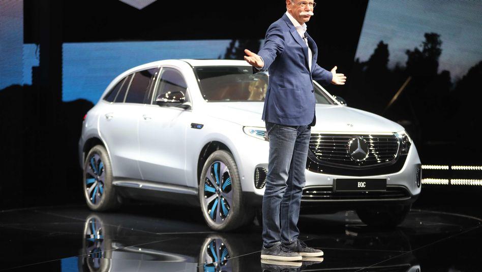 Dieter Zetsche präsentierte in Stockholm den Tesla-Fighter Mercedes EQC