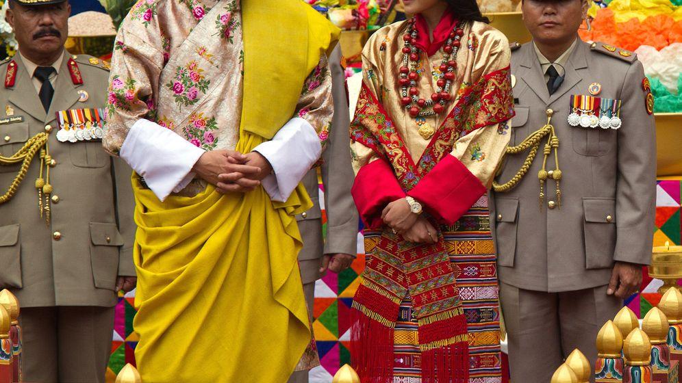 Himalaja: Bhutan feiert sein neues Königspaar