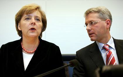 Merkel-Vertrauter: Die Bundeskanzlerin hat sich bisher nicht zur Personalie Röttgen geäußert