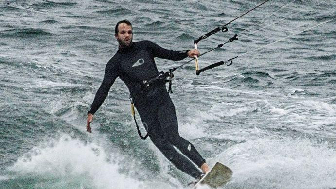 Robin von Hein beim Kitesurfen