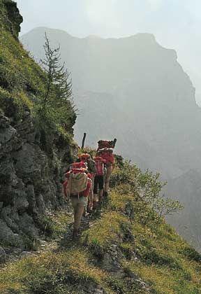 Mühsal des Aufstiegs: Im Zillertaler Hauptkamm