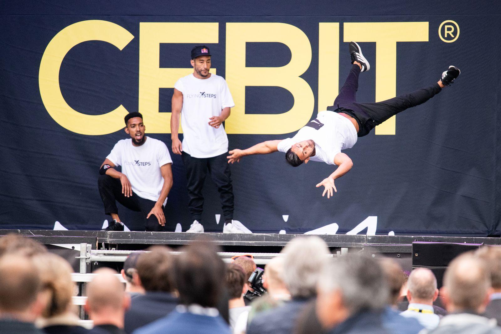 Cebit / Breakdance