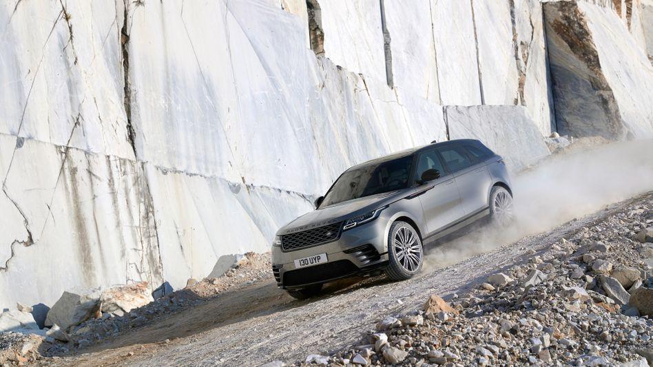 Neuer Range Rover Velar: Auch die Konzernmutter JLR muss aktuell mit Kostensenkungen durch ruppiges Terrain