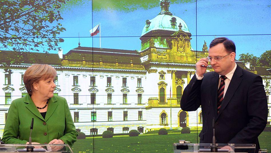Kanzlerin Angela Merkel und Tschechiens Regierungschef Petr Necas: Gespräche über Formen, nicht immer über Inhalte