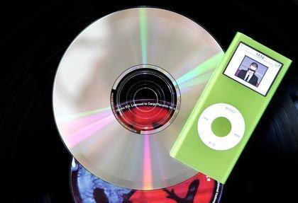 Tonträger der Generationen: Die CD löste die LP ab, heute bedroht der MP3-Player die CD
