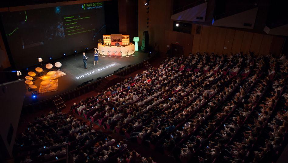 Volles Haus: Xings Kick-Off-Meeting auf Mallorca (Strand nicht im Bild)
