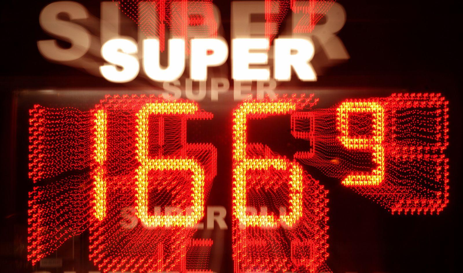 Preis für Superbenzin steigt auf 166,9 Euro