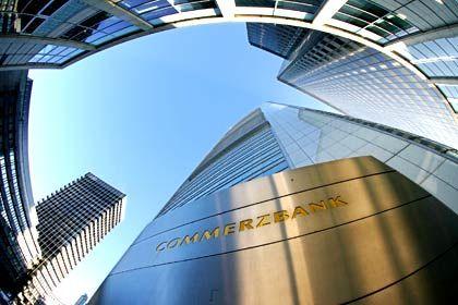 Commerzbank-Zentrale in Frankfurt am Main: Operativ 200 Millionen Euro Verlust im zweiten Quartal