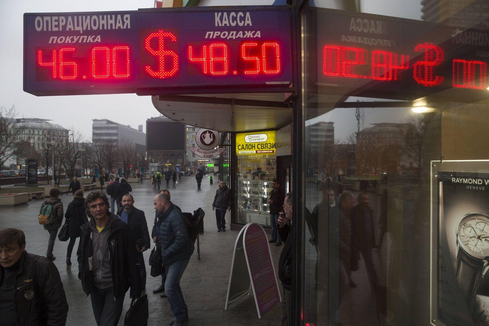 Russia Economy rubel