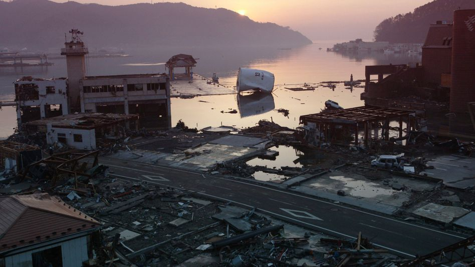 Schäden in Milliardenhöhe: Nach dem Abfließen des Wassers wird das Ausmaß der Zerstörung offensichtlich