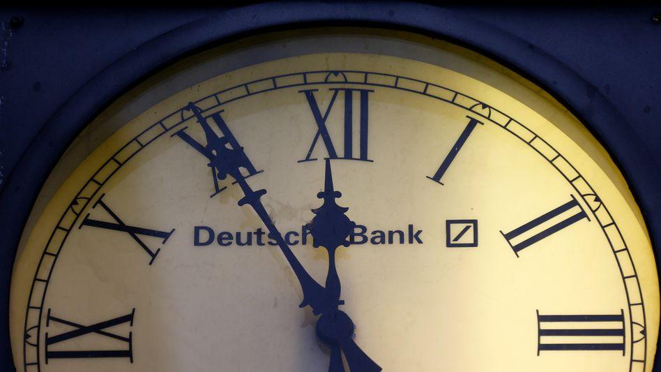 """Deutsche Bank: Bankchef Cryan sieht am Markt """"Kräfte am Werk, das Vertrauen in das Geldhaus zu schwächen"""""""