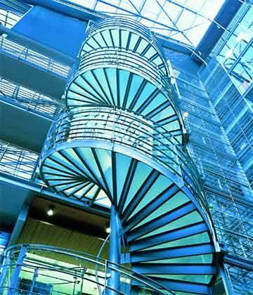 Finnisch-futuristisch: Das gläserne Foyer der Nokia-Zentrale
