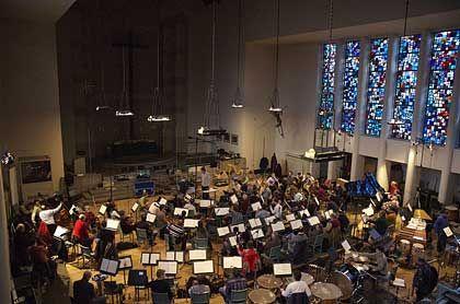 Heilige Stätte: In der Jesus-Christus-Kirche haben die Berliner Philharmoniker drei Tage lang Zeit, den Soundtrack einzuspielen
