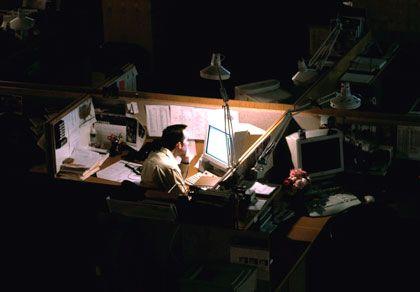 Überstunden: Laut DGB versuchen Arbeitnehmer ihr Leistungsvermögen künstlich zu steigern