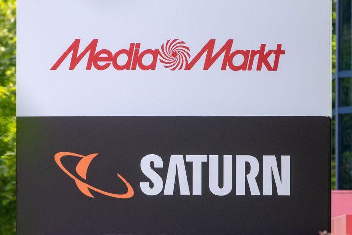 Media Markt Saturn: Der Konflikt zwischen dem Großanteilseigner der Elektronikhäuser und der Mutter Ceconomy eskaliert wieder.