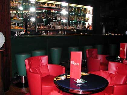 Opus Lounge: Entspannung pur bei Cocktails und Pianomusik