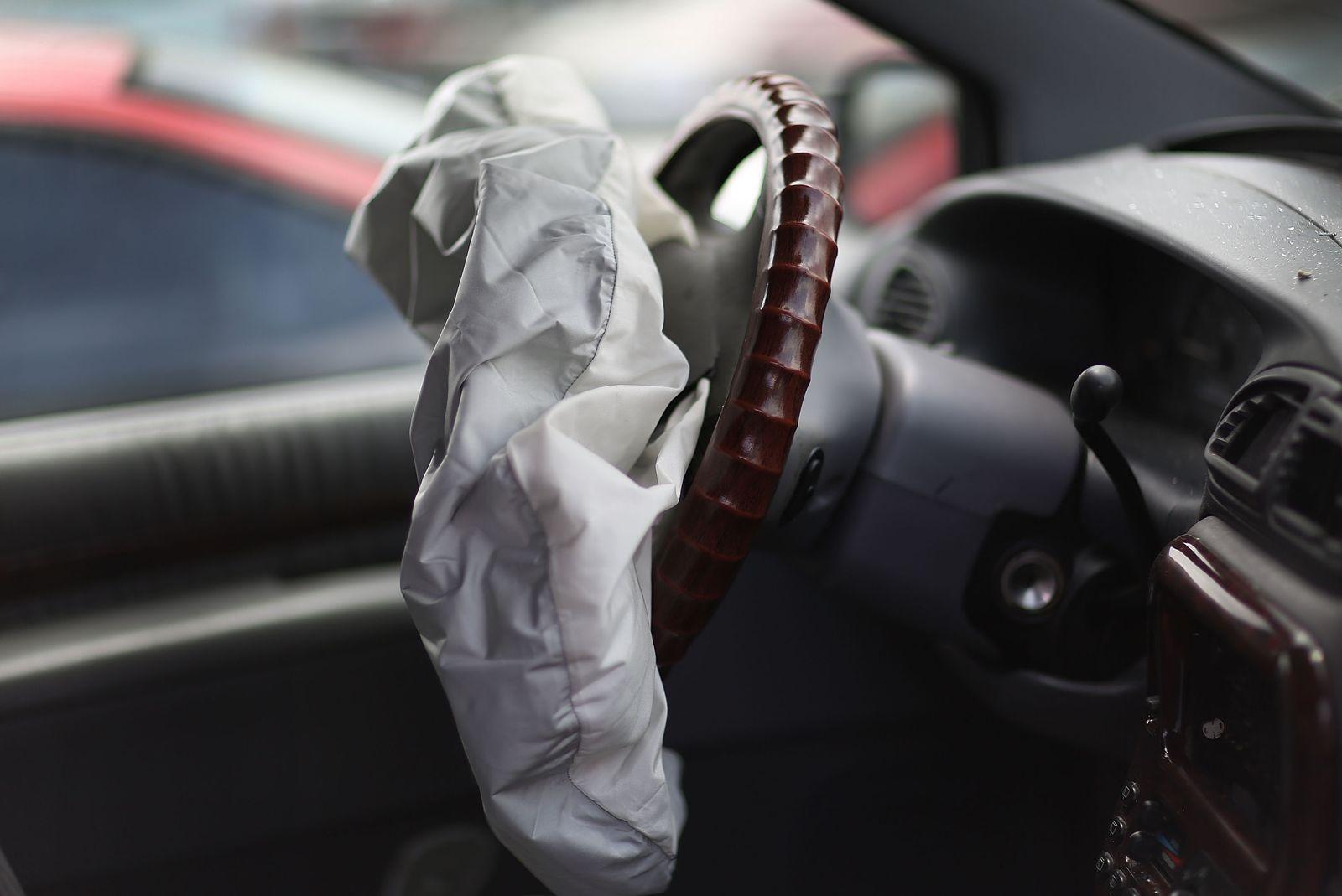 Autos/ Rückrufe/ Chrysler Airbags und Lenkräder