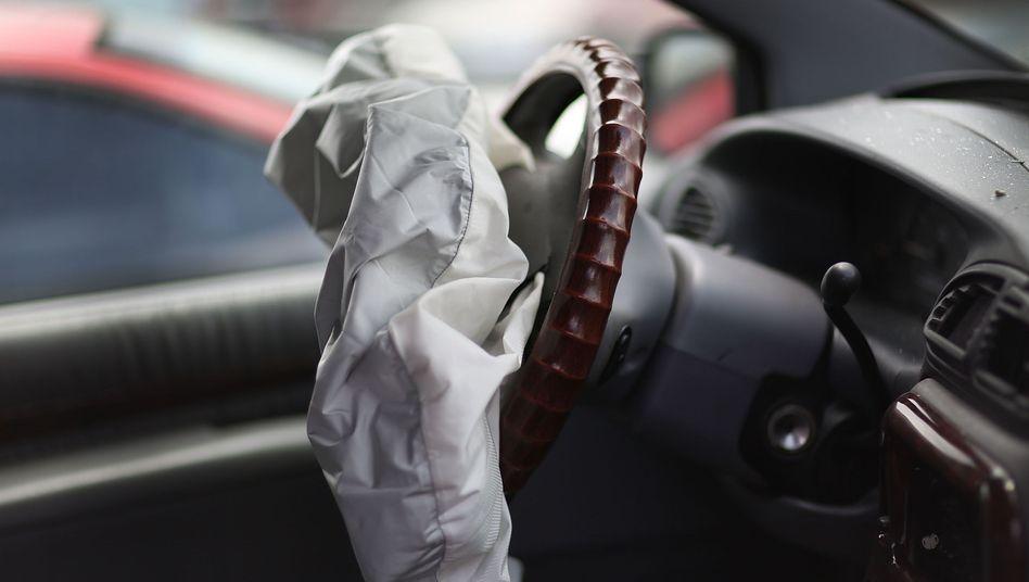 Airbags von Takata bereiten den Autoherstellern seit Jahren Probleme. Auch nachgebesserte Versionen scheinen nicht frei von Fehlern zu sein und falsch auszulösen.