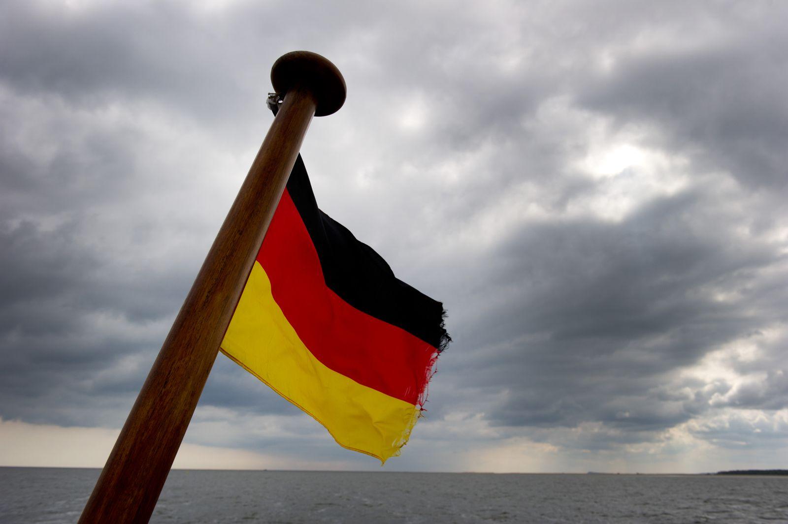 """Traumschiff """"Deutschland"""" bleibt unter deutscher Flagge"""