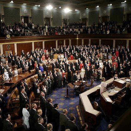 US-Kongress: Das Repräsentantenhaus will weitere Hilfen - der Präsident droht mit einem Veto