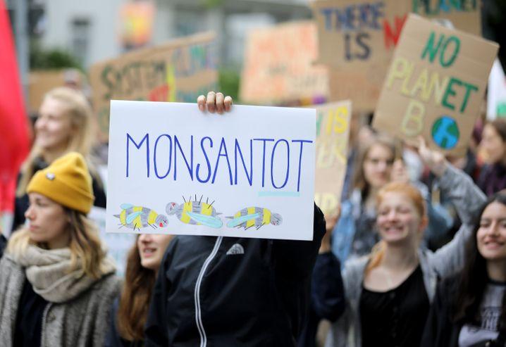 """Den schlechten Ruf Monsantos unterschätzt: Bayer droht nach der Übernahme von Monsanto nun selbst zum """"Corporate Evil"""" zu werden"""