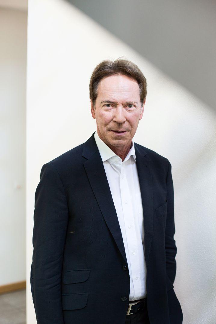 Weisungsbefugt bis ins Detail: Michael Stoschek hat einen Weg gefunden, wie er völlig legal durchregieren kann
