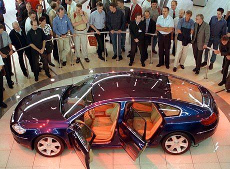 Schon früher träumte VW von der Luxusklasse: Phaeton-Studie Concept D 1999 auf der IAA