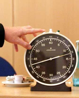 Die Uhr läuft: Für die deutsche GE Money Bank könnte die Zeit knapp werden