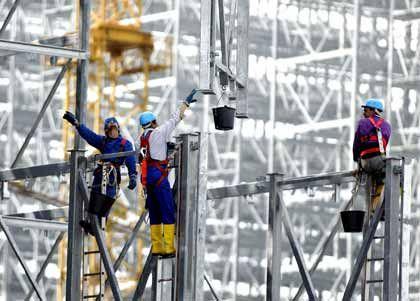 Aufwärts: Die deutsche Wirtschaft erholt sich - und mit ihr sogar Krisenbranchen wie der Bau