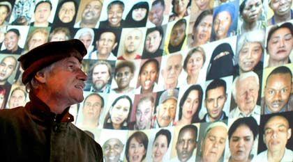Menschheitsprojekt:Der französische Fotograf Yann Arthus-Bertrand denkt in großen Dimensionen -und initiierte ein Videoprojekt über die Wünsche, Erfahrungen und Gedanken von Menschen aus aller Welt