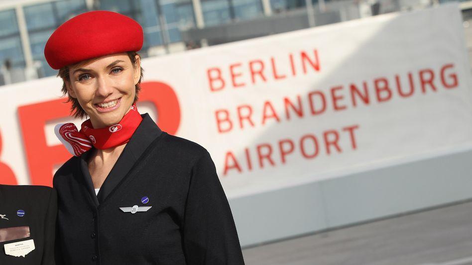 Neue Jobangebote für von Arbeitslosigkeit bedrohte Beschäftigte von Air Berlin bietet der Berliner Senat ab heute auch im Justizvollzugsdienst an