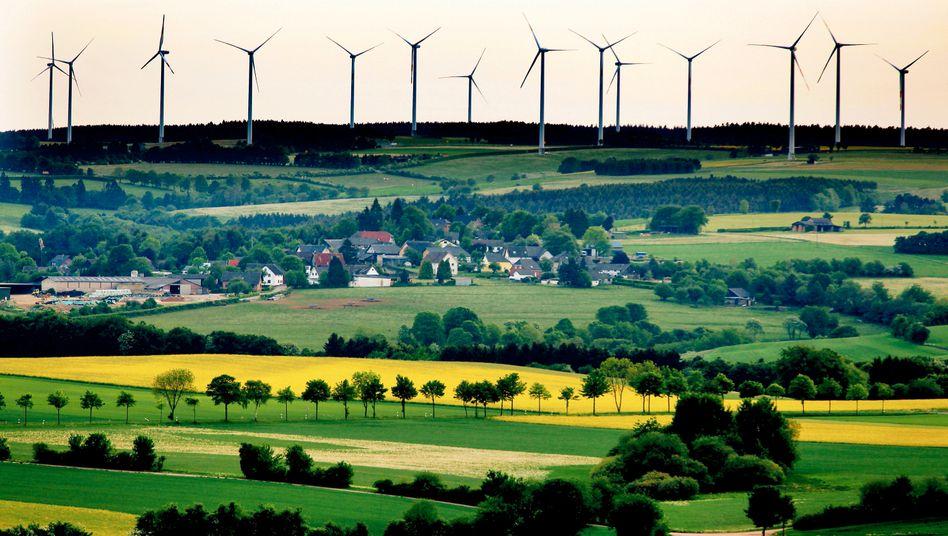 Windpark in der Nähe von Schleiden (Kreis Euskirchen): Teure Power-to-Gas-Technik soll als Speichertechnologie für ökologisch erzeugte Energie dienen