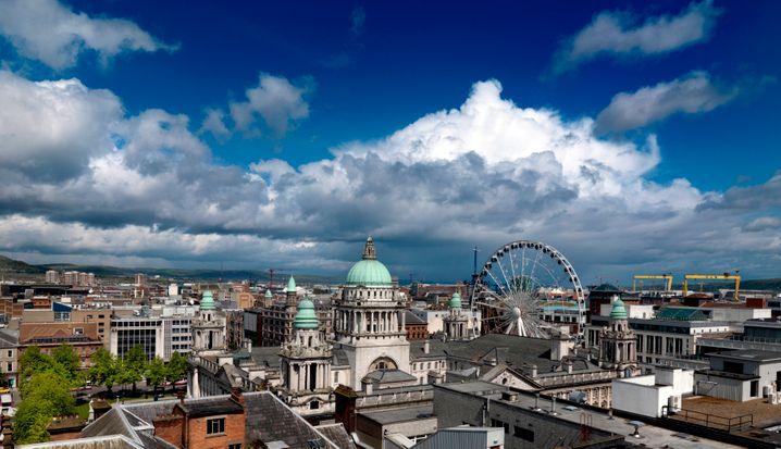 Belfast: Nordirlands Hauptstadt bietet auch Einkaufsvergnügen - das Victoria Square Shopping Centre ist eines der größten der Stadt