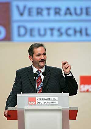 Matthias Platzeck: Auf dem Parteitag in Karlsruhe zum neuen SPD-Vorsitzenden gewählt