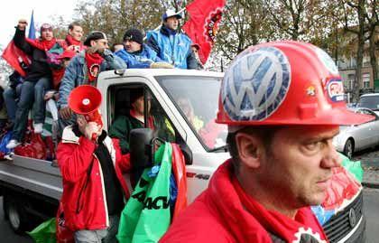 Wochenlanger Streik: Zahlreiche Brüsseler VW-Mitarbeiter fürchten die Arbeitslosigkeit