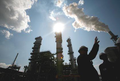 Ölriese Sinopec: Deutlich höherer Gewinn im zweiten Quartal