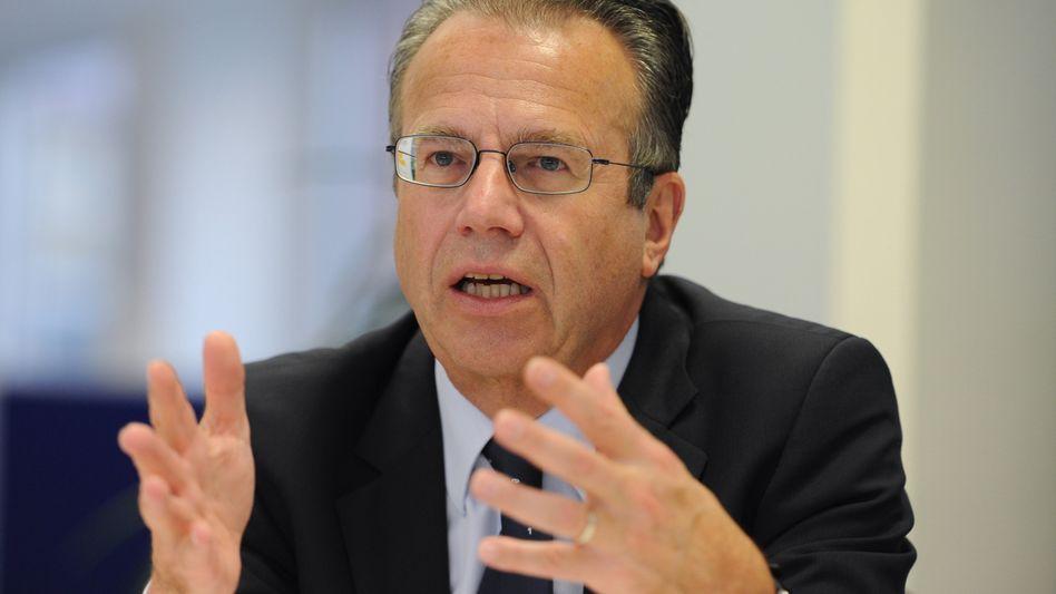Arbeitsagenturchef Frank-Jürgen Weise: Kleine Verbesserung im Juli