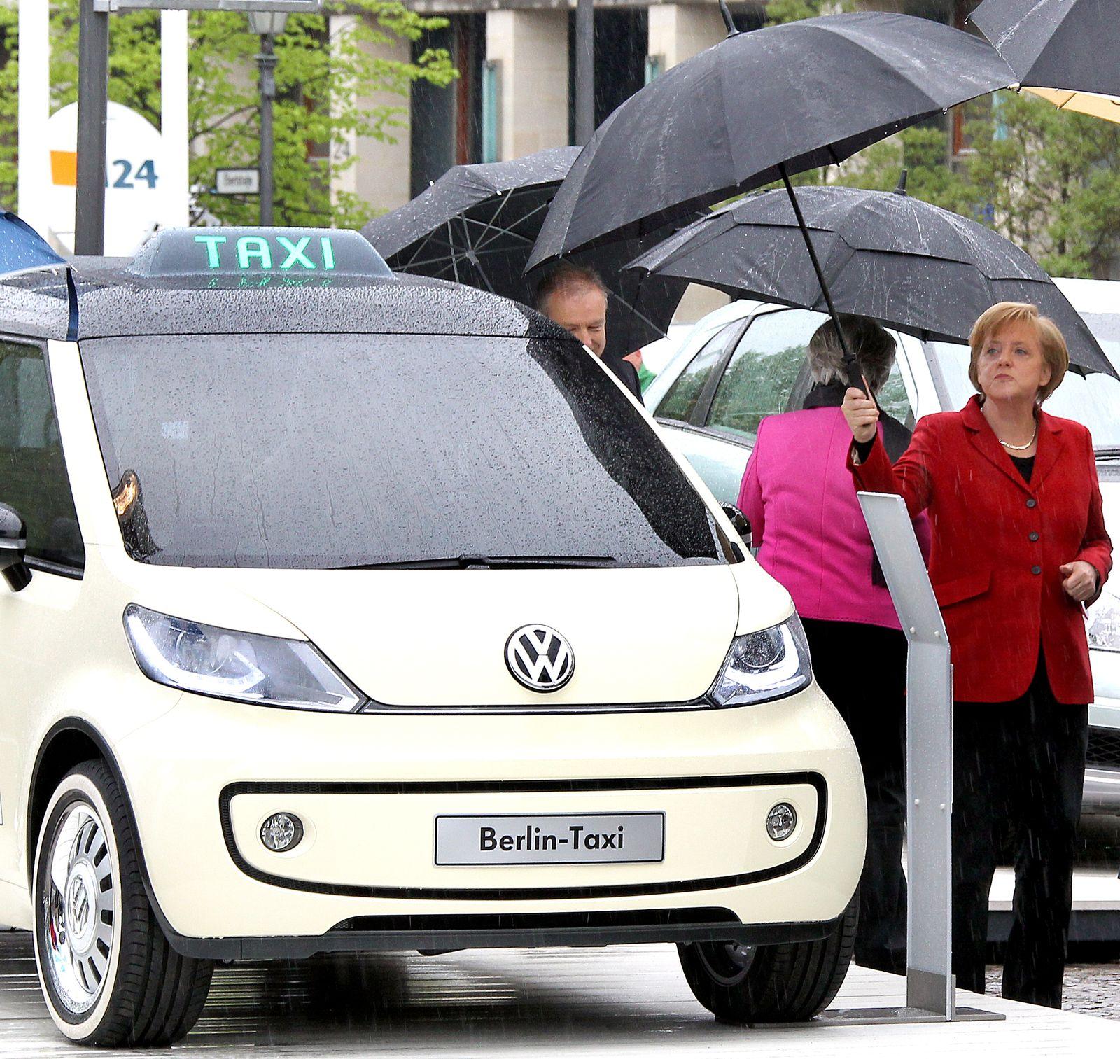 Elektroauto-Gipfel / Merkel