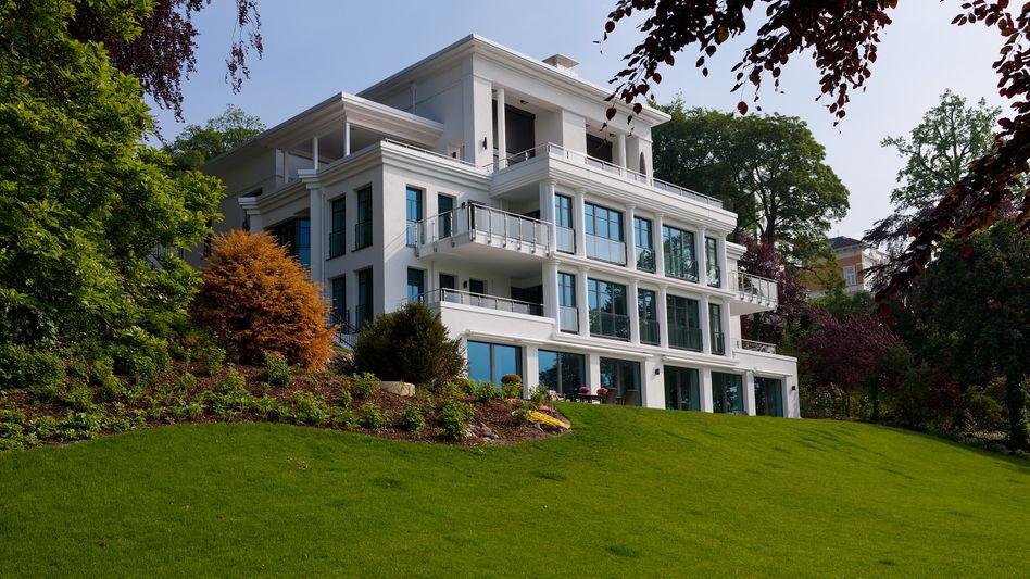 Gemischte Aussichten: Luxusimmobilie an der Elbchaussee in Hamburg.