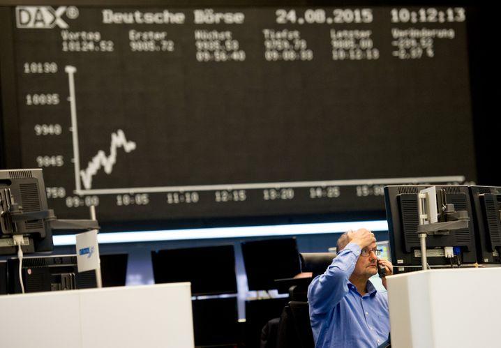 Abwärtskurve: Die Lufthansa-Aktie, zu Beginn von Spohrs Amtszeit um die 20 Euro, notiert jetzt um die 10 Euro
