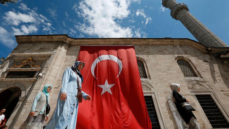 Die regierende AKP hat die Metropole Istanbul an einen oppositionellen Bürgermeister verloren