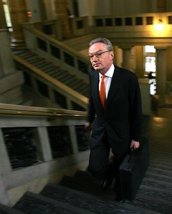 Klaus Esser: Seine damalige 30-Millionen-Euro-Abfindung als Mannesmann-Chef hatte ein jahrelanges juristisches Nachspiel